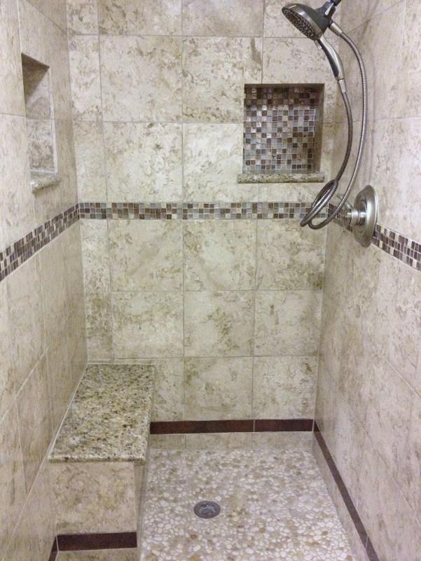 Arena-Limestone-12x12-w-GSC001-Mosaic